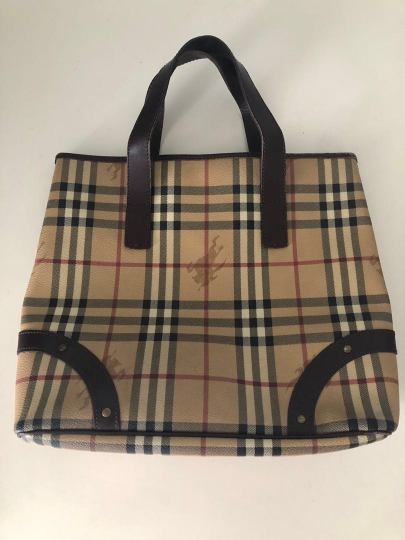 3538c4aff30 Burberry Classic Tote Bag, Women's Fashion, Bags & Wallets, Handbags ...