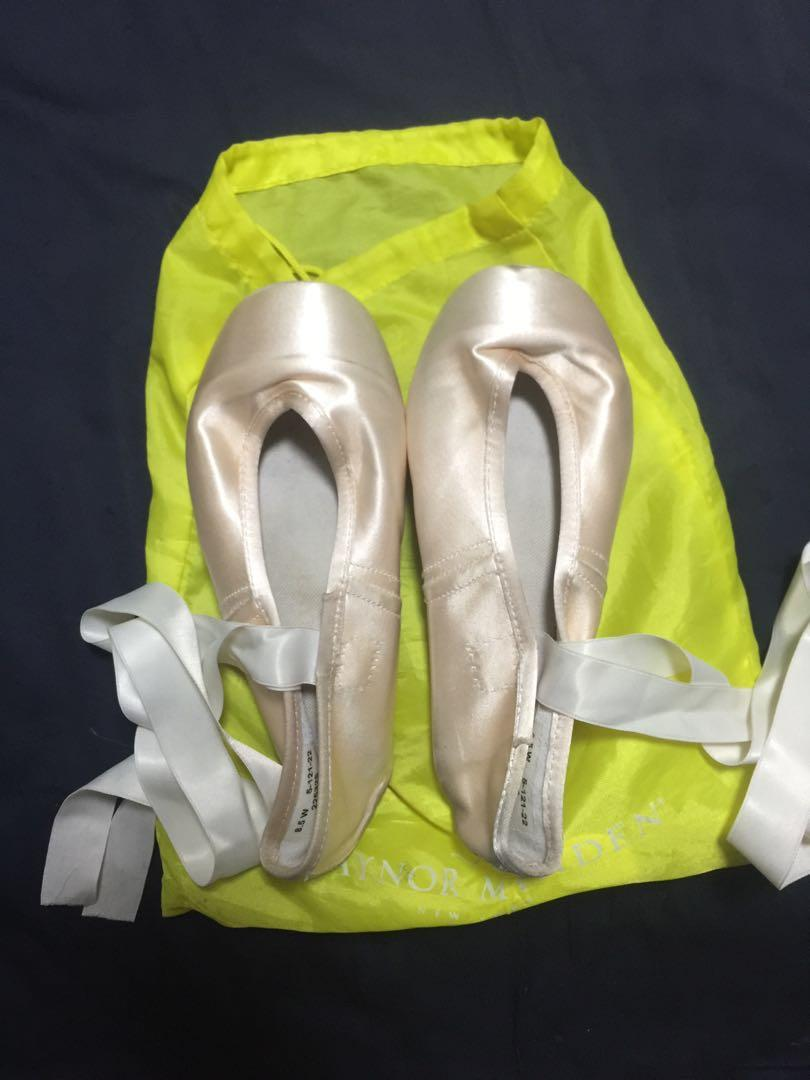 Gaynor Minden Pointe shoes, Sports