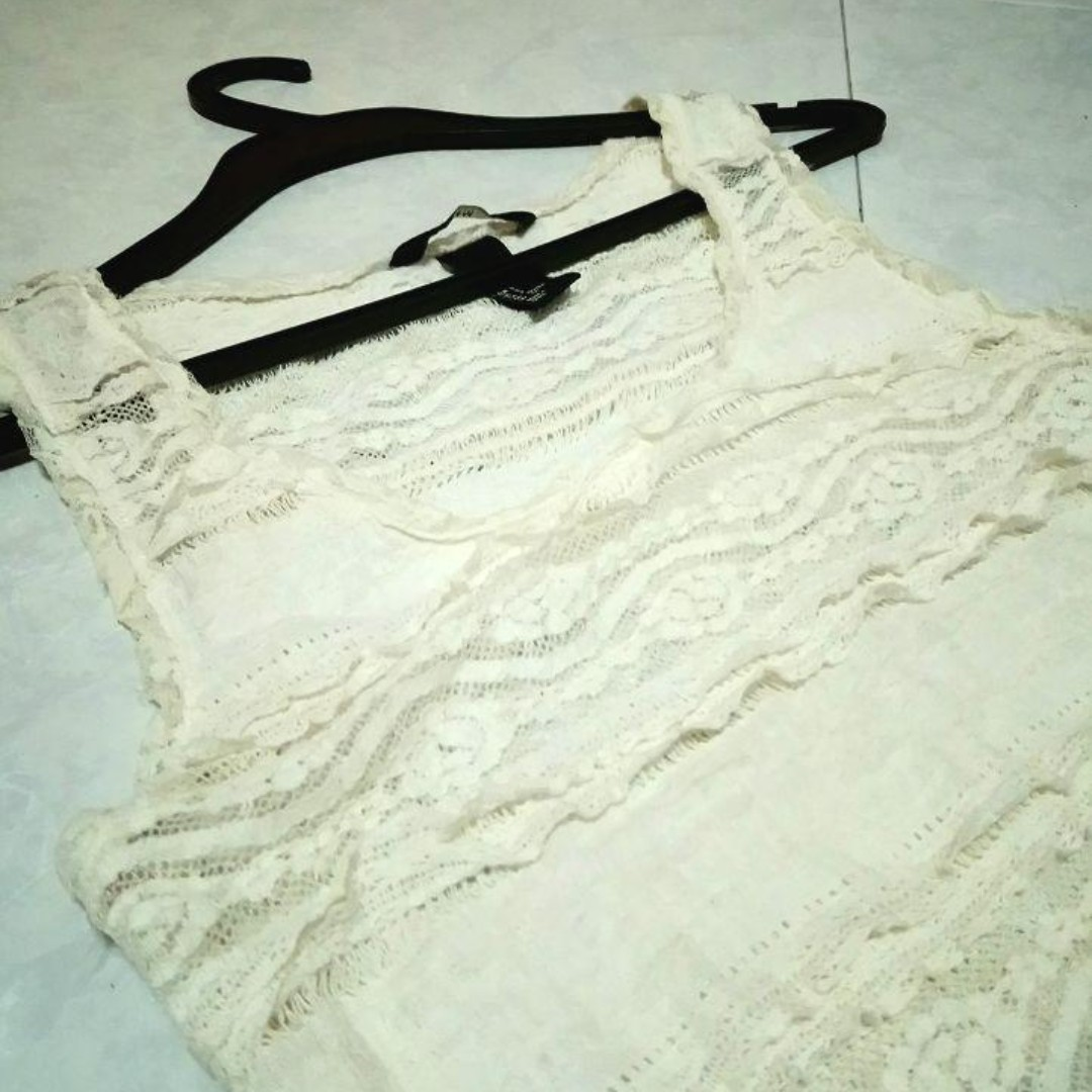 a699c51cfaabeb H&M Vanilla White Embroidered Lace Sleeveless Top, Women's Fashion,  Clothes, Tops on Carousell