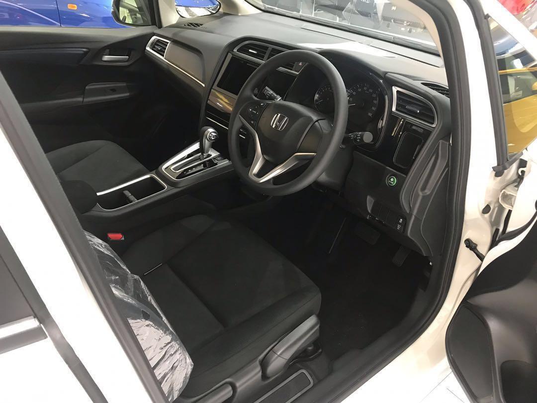 Honda Shuttle Hybrid for Rental !