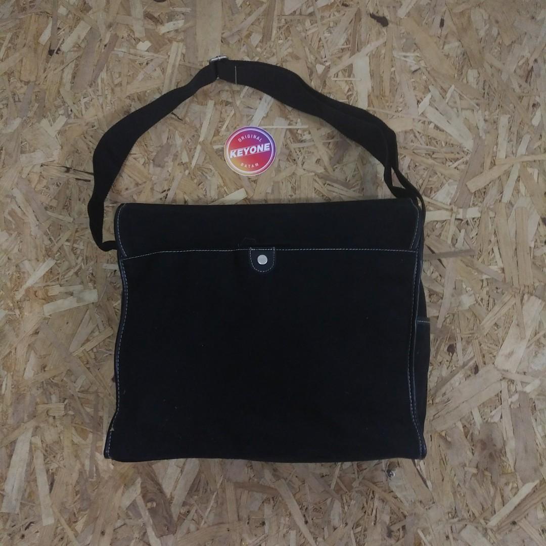Kenneth Cole New York Black Suede Mix Leather Messenger Bag Original