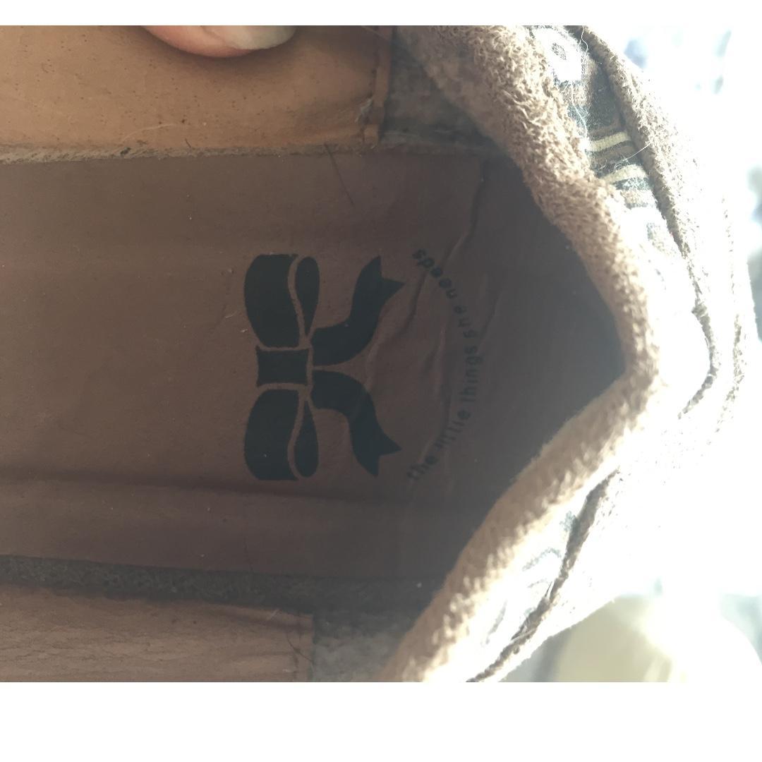 little things she needs flat shoes flatshoes sepatu flat model bahan suede & kain cokelat muda cantik