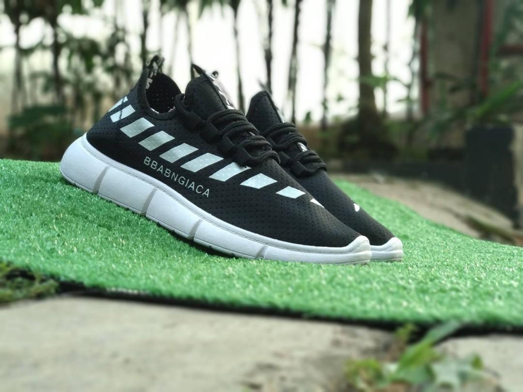 Sepatu fashion