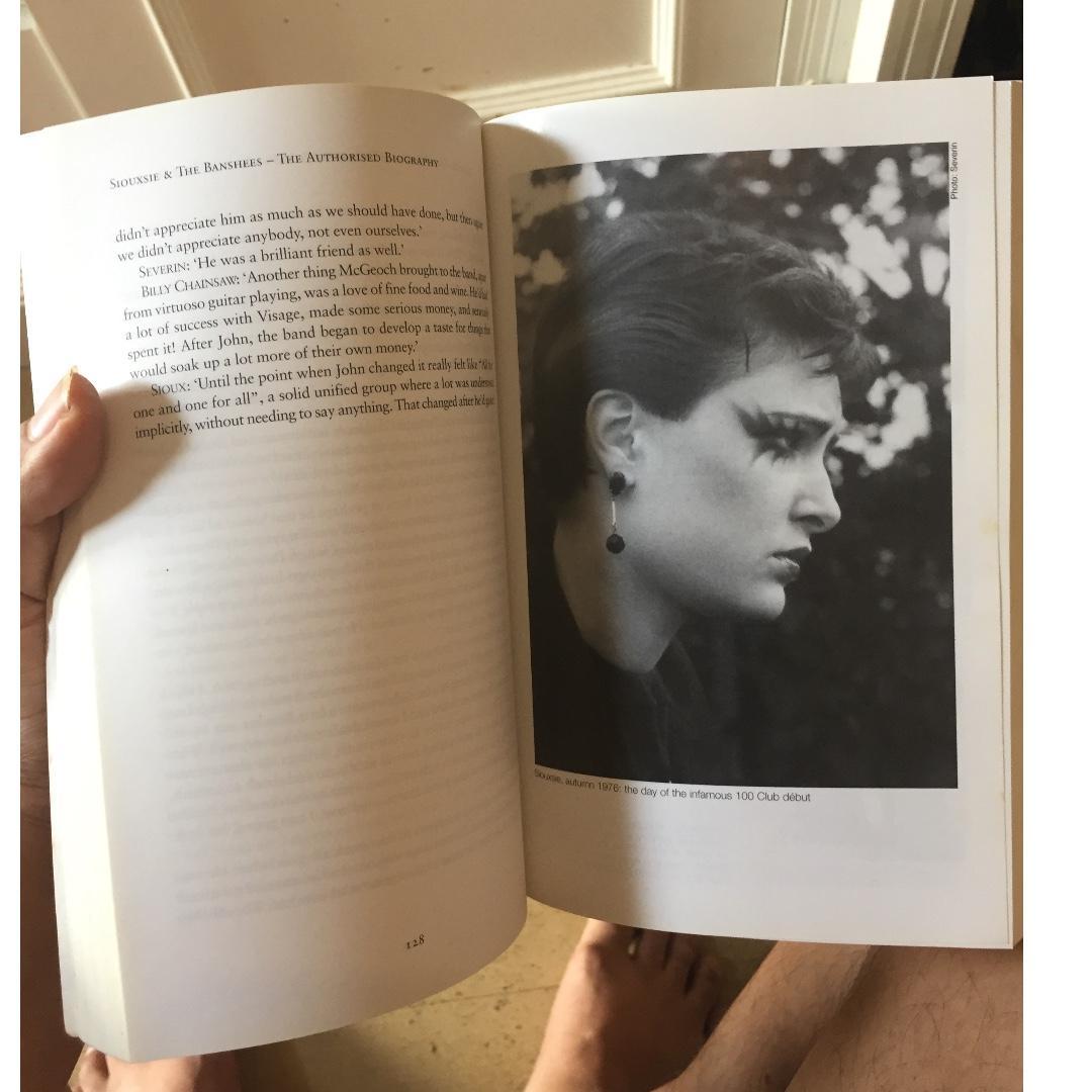 Siouxsie And The Banshees Gothic Jual Buku Import Autobiografi Siouxsie And The Banshees Musisi Dan Band Legendaris Punk Dan Gothic Like New Langka