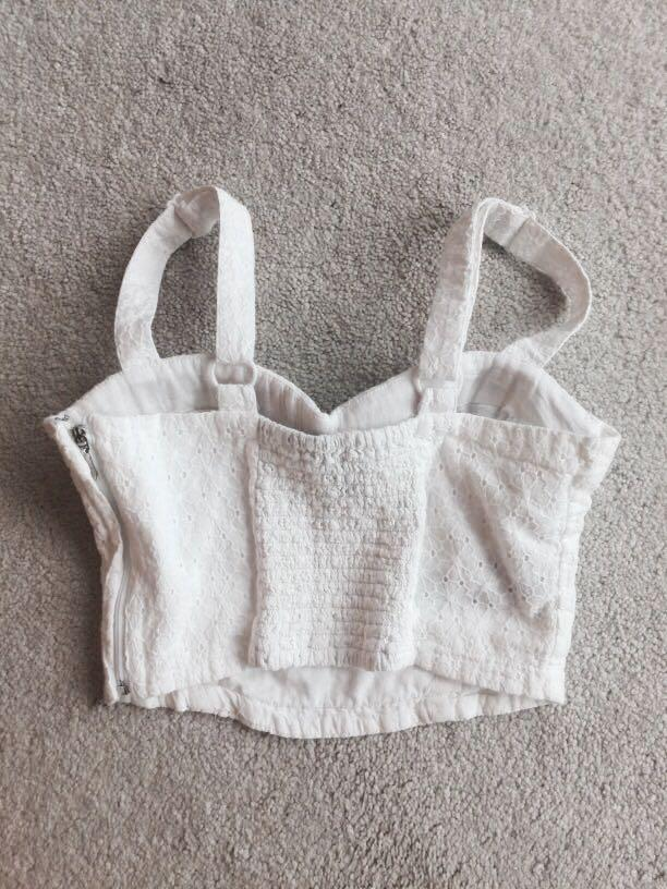White crop top (small)