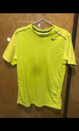 Nike網孔透氣上衣