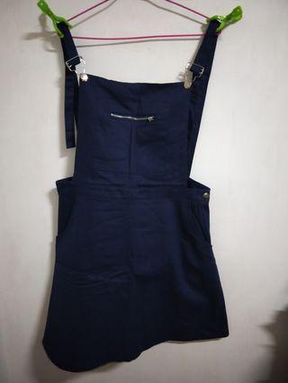 🚚 全新 OB嚴選 素色拉鍊口袋A字吊帶裙(XL)