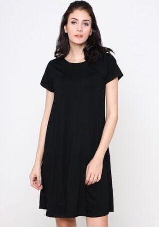 Basic Black Mididress