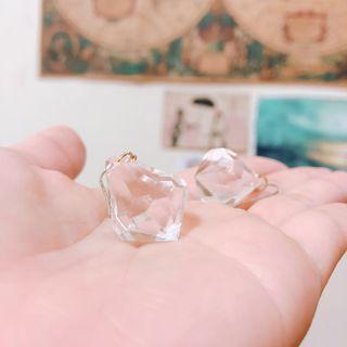 🚚 透明水晶玻璃耳環