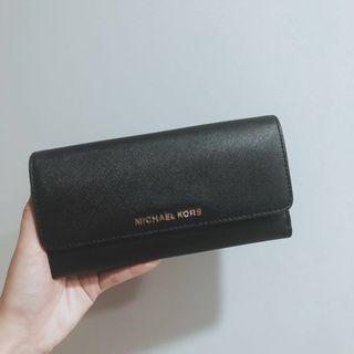 🚚 Michael Kors Black Leather Wallet (Authentic)
