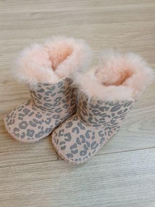 🚚 UGG絨毛雪靴
