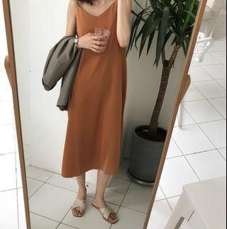 🚚 Minimalist Brown Dress