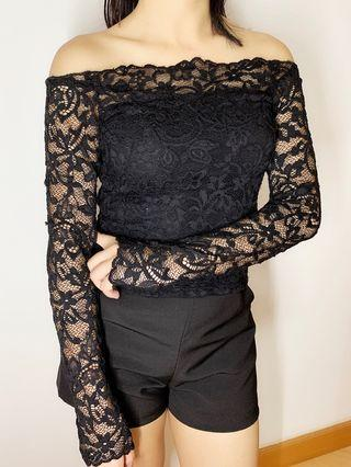 Lace top in black 透視