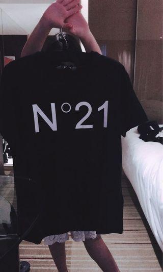 🚚 N21黑色短Tee