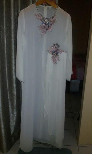 #mauthrGamis White With Pink Pearls