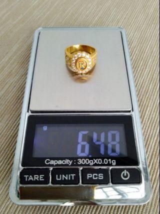 916 Gold Ring With 24 Diamonds
