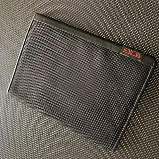 tumi Alpha passport holder