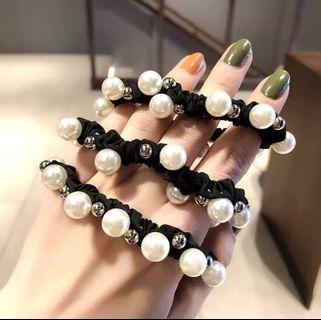 🚚 Pearl elastic hair band