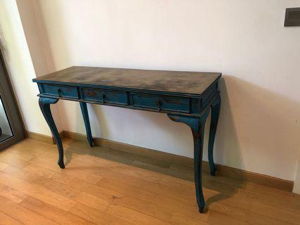 🚚 Side table bargain for quick sale
