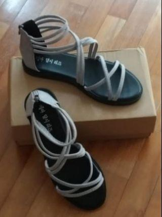 Comfortable Roman sandals in Size 39