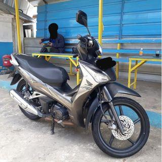 #mauthr Honda Supra-X 125cc Helm In