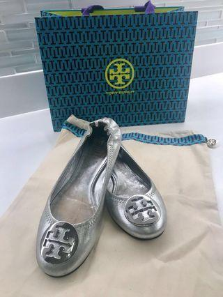 Tory Burch Reva Flats (Silver)