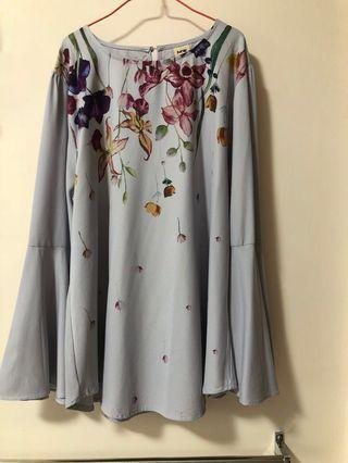 Plus size flower top