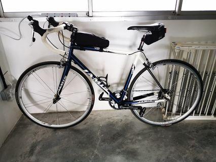 Jamis Ventura Race Road Bike (53cm)