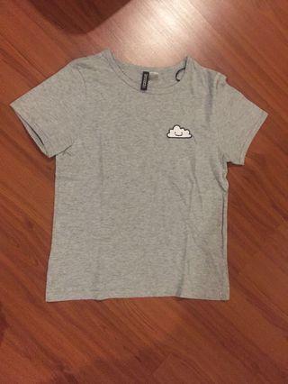 🚚 H&M grey top cloud stitching