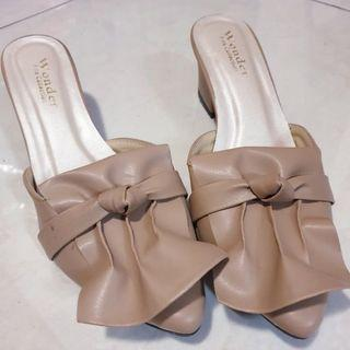 block heels nude Mules