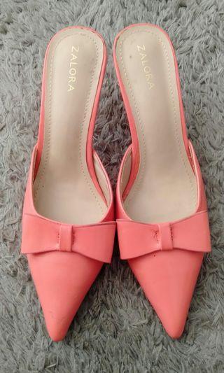 Sepatu cantik warna salem
