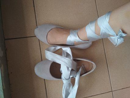 Sepatu Ballerina Grey