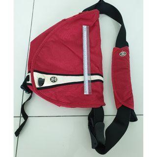 Crumpler Soupansalad Messenger Bag, Medium (Dark Red with White and Black Trim)