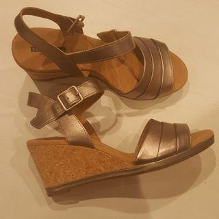 #mauthr CLARKS sandals