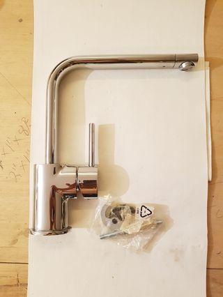 廚房水龍頭(全新) Kitchen water tap (new)