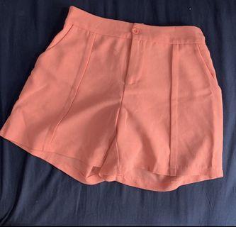 🚚 二手 乾燥粉雪紡短褲