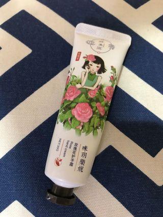 🚚 Rose Hand Cream