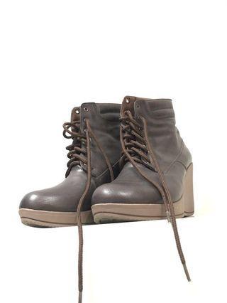 Boots elizabeth