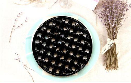 Cast Iron Round Trivet (hot platter stand) (glossy black)