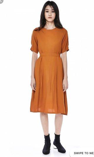 BN The Editor's Market Caira Pleated Shift Dress (Marmalade, S)