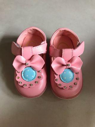 🚚 小童亮亮鞋