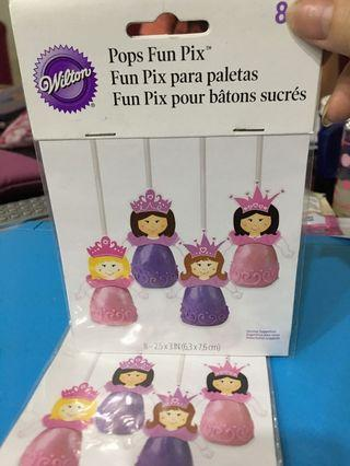 🚚 Wilton princess toppers