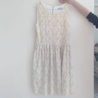 White Dress #mauthr