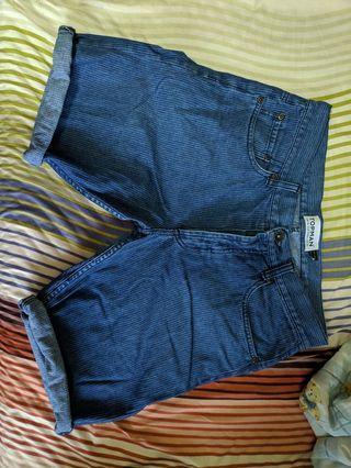🚚 Topman Denim Shorts US size 30