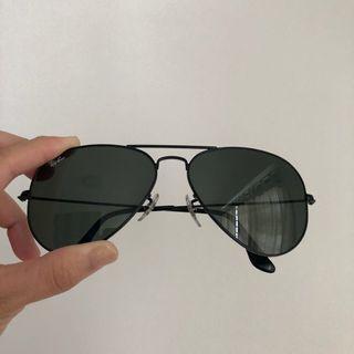 🚚 Ray Ban RB3025 aviator sunglasses / shades