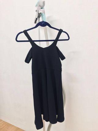 🚚 Black Dress (Off Shoulder)