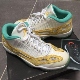 Nike Air Jordan XI 11 low LS
