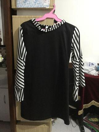 Black and white round neck long sleeves