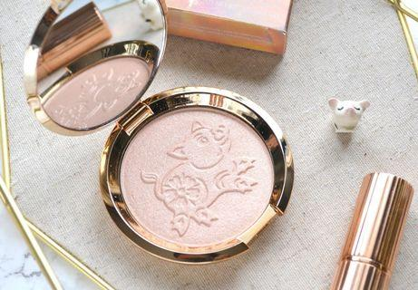 Shimmering Skin Perfector® Pressed Highlighter (Year of the pig)