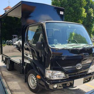 TOYOTA DYNA 10 FT WITH TAILGATE VEHICLE RENTAL LORRY RENTAL COMMERCIAL RENTAL